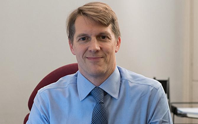 Dr Matthew Banks - Consultant Gastroenterologist